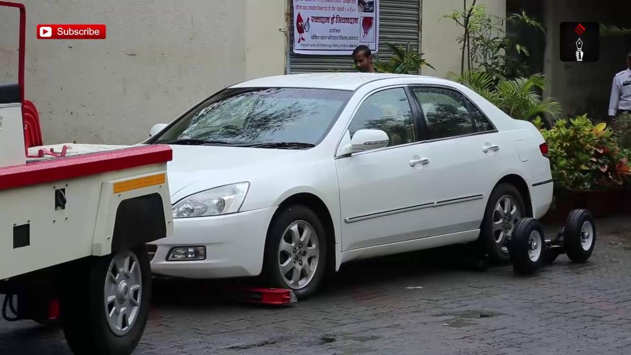 56824851c8 Mumbai Traffic Police s New towing brisbane Vans Don t Damage Cars - Discount  Rugs - Buy Online
